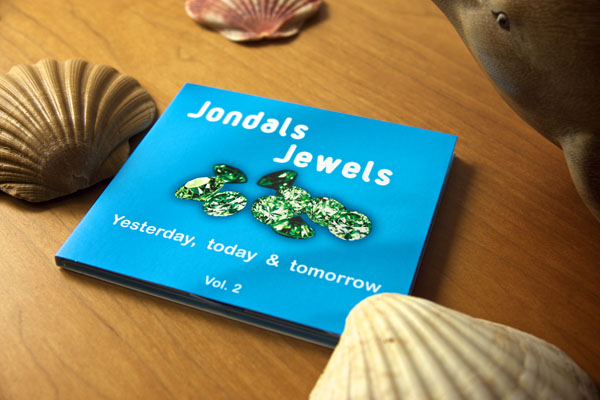 The cover of Jondals Jewels vol. 2